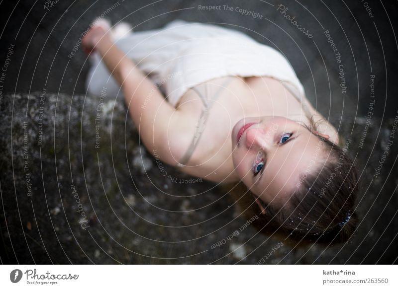 * schön Gesicht feminin Junge Frau Jugendliche 1 Mensch 18-30 Jahre Erwachsene Balletttänzer Kleid brünett Zopf niedlich rosa blaue Augen Farbfoto Außenaufnahme