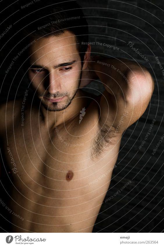 6 maskulin Junger Mann Jugendliche Körper Brust 1 Mensch 18-30 Jahre Erwachsene Bart Dreitagebart Erotik Akt Achsel Achselhaare Achselhöhle Farbfoto