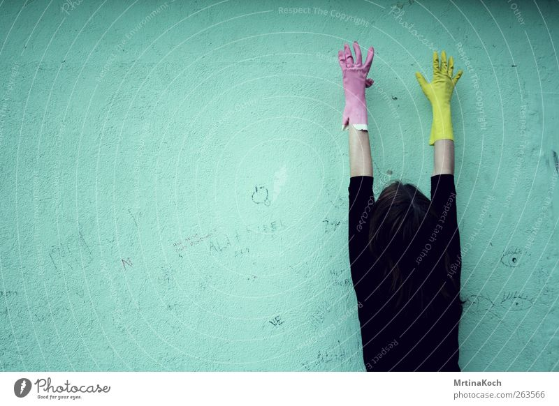 4 years ago. Mensch Jugendliche Hand gelb feminin Körper Kraft Zufriedenheit Angst rosa Erfolg Macht Junge Frau Reinigen 13-18 Jahre Mut