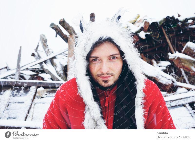 Mensch Natur Jugendliche Mann Junger Mann weiß Winter Gesundheit Lifestyle Erwachsene kalt natürlich lustig Schnee Gefühle Glück