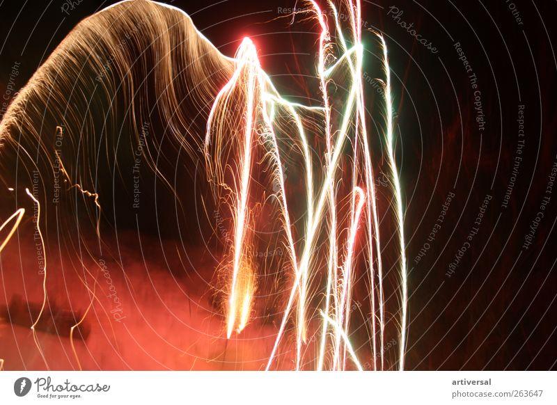 Feuerwerk Gerippe schwarz Luft braun gold Silvester u. Neujahr