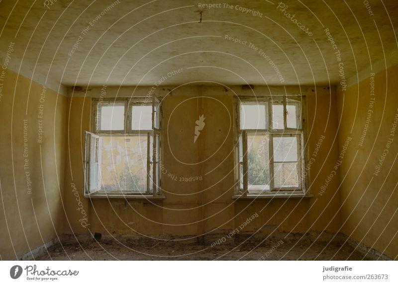 Garnison alt Haus Fenster Wand Mauer Gebäude Stimmung leer Wandel & Veränderung Vergänglichkeit Bauwerk Vergangenheit Verfall Ruine Unbewohnt