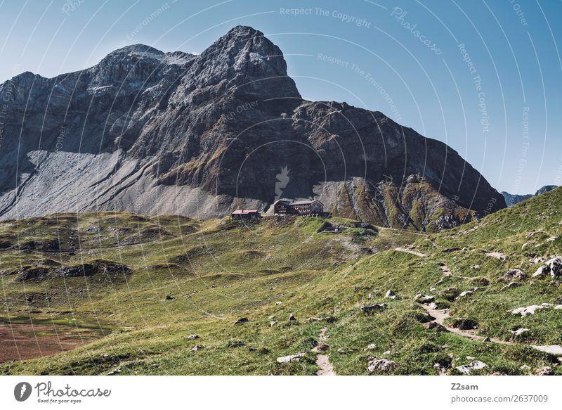 Memminger Hütte | E5 Ferien & Urlaub & Reisen Abenteuer wandern Natur Landschaft Sommer Schönes Wetter Wiese Felsen Alpen Berge u. Gebirge Gipfel grün