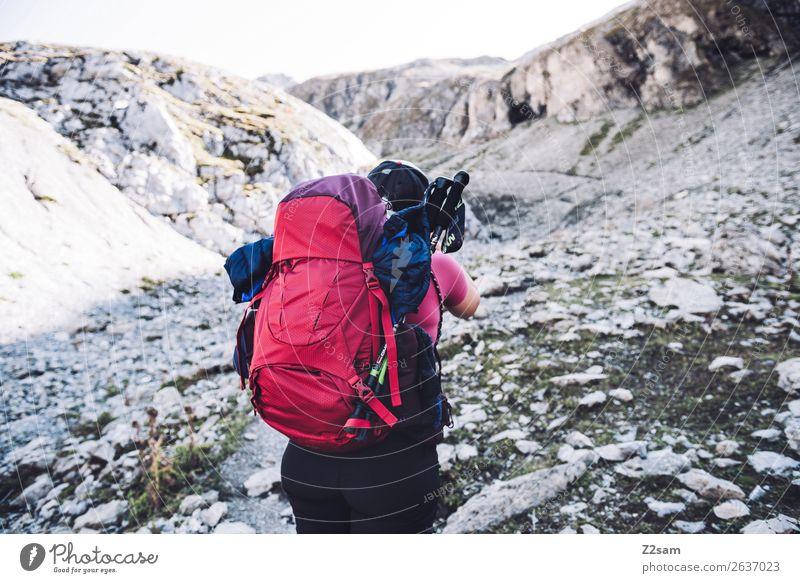 Aufstieg zur Seescharte Natur Ferien & Urlaub & Reisen Jugendliche Junge Frau Sommer rot Einsamkeit Berge u. Gebirge 18-30 Jahre Erwachsene Wege & Pfade Sport