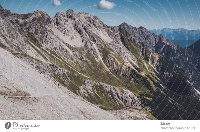 Zamer Loch | Lechtaler Alpen | E5 Abenteuer wandern Mensch Umwelt Natur Landschaft Sommer Schönes Wetter Berge u. Gebirge gigantisch hoch blau grün Einsamkeit