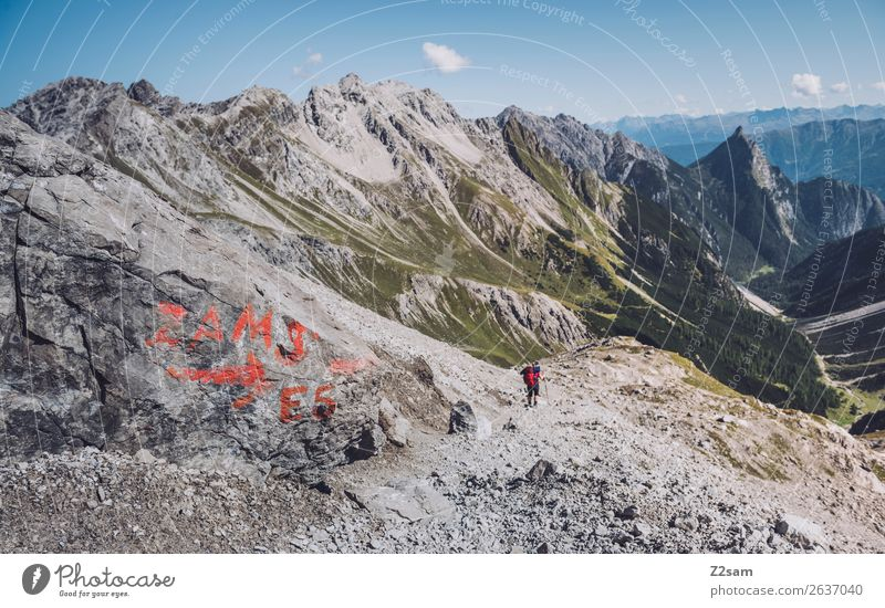 Abstieg nach Zams   Europäischer Fernwanderweg E5 Natur Ferien & Urlaub & Reisen Jugendliche Junge Frau Sommer Landschaft Einsamkeit Berge u. Gebirge