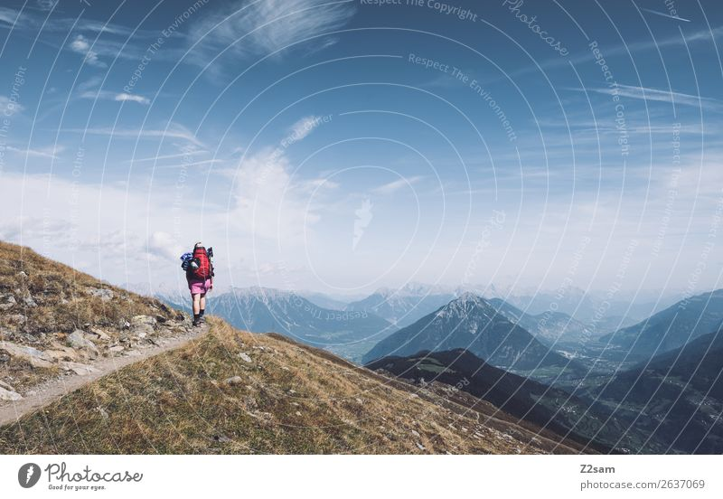 Junge Frau auf Alpenüberquerung | Pitztal | E5 Ferien & Urlaub & Reisen Ausflug Abenteuer wandern Mensch Natur Landschaft Himmel Schönes Wetter Berge u. Gebirge
