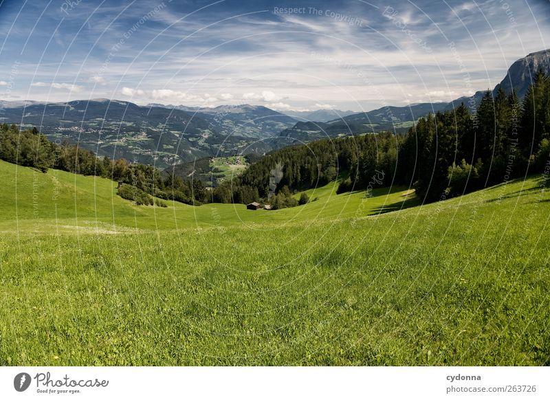 Weites Land Himmel Natur grün Ferien & Urlaub & Reisen Sommer Einsamkeit ruhig Ferne Erholung Umwelt Landschaft Wiese Berge u. Gebirge Freiheit Ausflug Tourismus