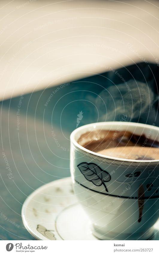 Stark, süß, heiß Lebensmittel Kaffeetrinken Getränk Heißgetränk Mokka Tasse Untertasse Duft authentisch lecker verziert Porzellan Wasserdampf Farbfoto