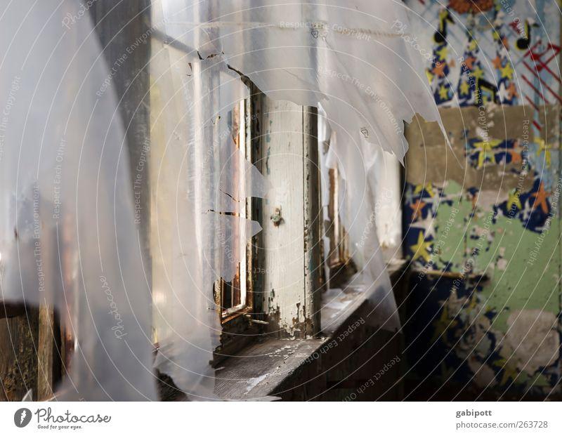 es weht ein wind von westen her Menschenleer Haus Ruine Bauwerk Gebäude Architektur Mauer Wand Fenster Tapete Tapetenmuster Denkmal alt Stadt mehrfarbig Farbe