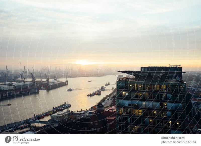 Hamburge Hafen Stadt Verkehr Industrie Sehenswürdigkeit Wahrzeichen Schifffahrt Verkehrswege Handel Bekanntheit Hafenstadt Kreuzfahrt Fähre Bootsfahrt