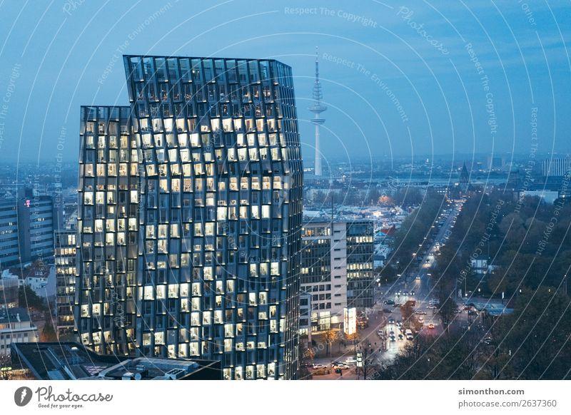 Büro Stadt Architektur Business Arbeit & Erwerbstätigkeit Hochhaus Energiewirtschaft Telekommunikation Erfolg Hamburg Baustelle Skyline Güterverkehr & Logistik