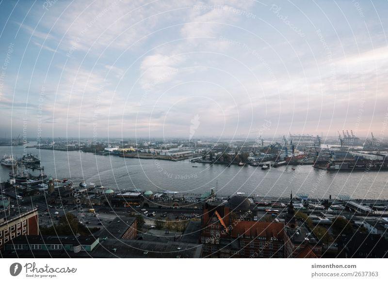 Hamburg Himmel Wasser Bewegung Deutschland Wachstum Güterverkehr & Logistik Hafen Schifffahrt Wirtschaft Mobilität Handel Erdöl Großstadt Umweltverschmutzung