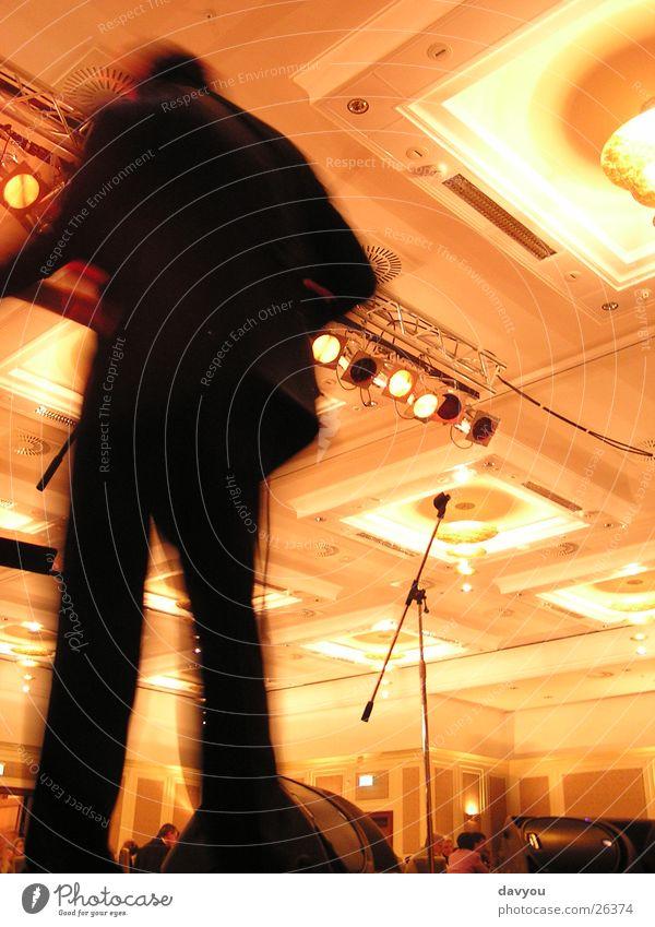 Bassist Mensch Freude Leben sprechen Spielen Freizeit & Hobby maskulin Musik Tanzen Schnur Tanzveranstaltung Show Veranstaltung Club Konzert Disco