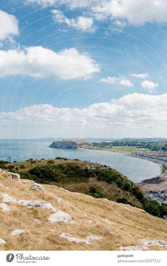 Walisische Küste Umwelt Natur Landschaft Pflanze Urelemente Erde Luft Wasser Himmel Wolken Sonnenlicht Sommer Klima Wetter Schönes Wetter Bucht Meer Insel frei
