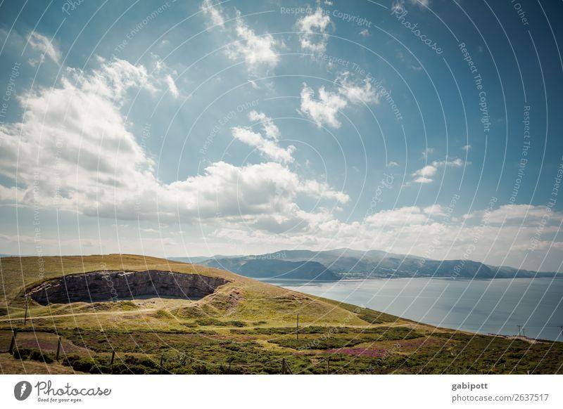 Himmel Wasser Berge Wales Umwelt Natur Landschaft Pflanze Tier Urelemente Erde Luft Wolken Sonne Sonnenlicht Sommer Klima Wetter Schönes Wetter Wiese Hügel