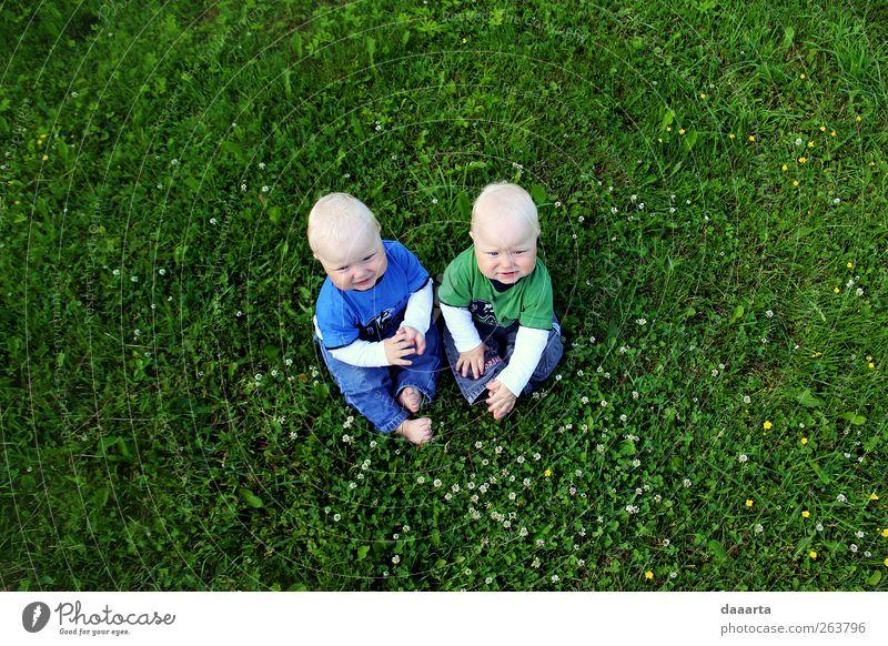 Mensch Kind Natur grün Sommer Freude Junge Freiheit klein Freundschaft Gesundheit Zufriedenheit Baby Abenteuer einfach Lächeln