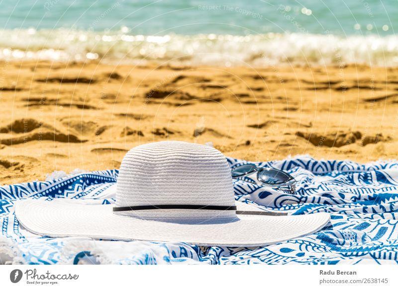 Ferien & Urlaub & Reisen Natur Sommer blau schön Wasser Landschaft weiß Sonne Meer Erholung Strand Wärme Umwelt natürlich feminin