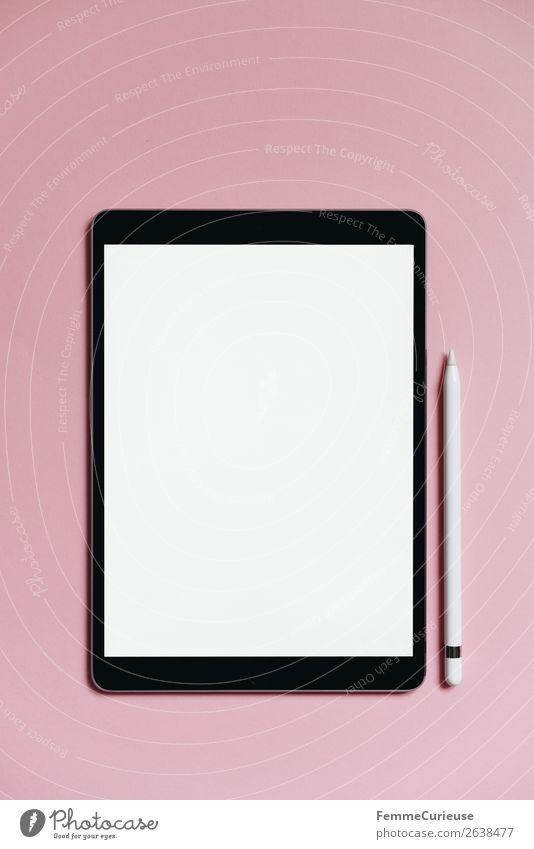 Tablet on pink background Technik & Technologie Unterhaltungselektronik Fortschritt Zukunft Schreibwaren Papier Kommunizieren Kreativität Tablet Computer rosa
