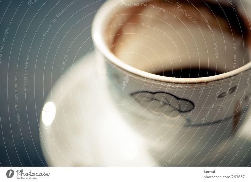 Mokka has gone Getränk Heißgetränk Kaffee Geschirr Tasse Untertasse weiß leer Kaffeesatz Dekoration & Verzierung verziert Farbfoto Außenaufnahme Nahaufnahme
