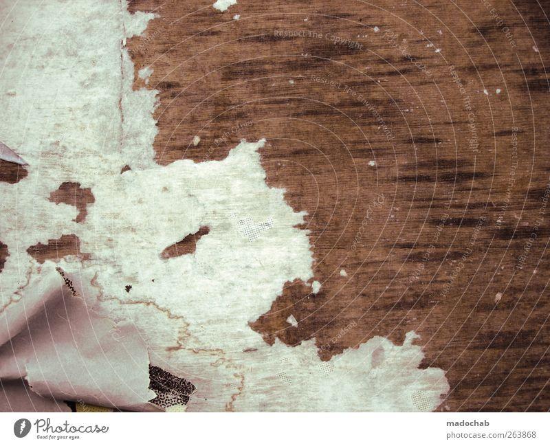 Neuland weiß braun dreckig Bodenbelag kaputt trashig schäbig hässlich Rest
