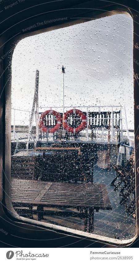 View from the inside of a boat to window with raindrops Verkehr Verkehrsmittel Verkehrswege Personenverkehr Öffentlicher Personennahverkehr Schifffahrt