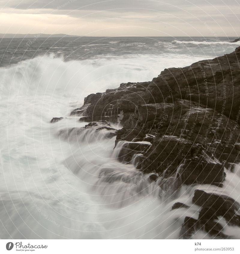 raue see III Himmel Natur Wasser Meer Umwelt Landschaft Küste Stein Wellen Wind Kraft Felsen wild groß Urelemente Nordsee