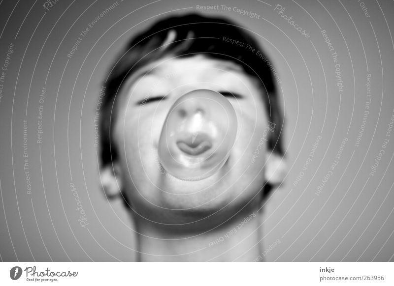 bubblemaker Süßwaren Kaugummiblase Freude Spielen Junge Kindheit Kopf 1 Mensch machen einfach frech Gefühle Stimmung Fröhlichkeit Begeisterung Gelassenheit