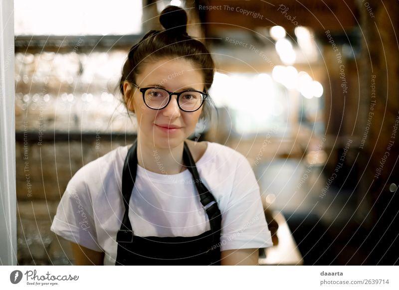 Mensch Jugendliche Junge Frau Freude 18-30 Jahre Lifestyle Erwachsene Leben Wärme feminin Stil Freiheit Stimmung Design Freizeit & Hobby wild