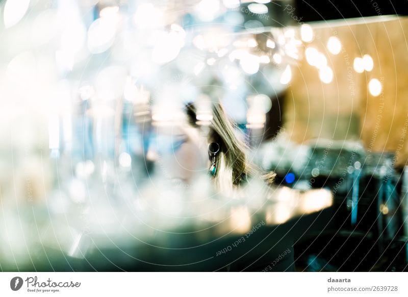 durch Glas Sekt Prosecco Sektglas Lifestyle elegant Stil Design Freude Schminke Leben harmonisch Freizeit & Hobby Abenteuer Freiheit Party Veranstaltung