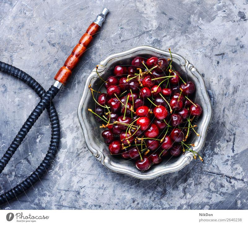 Stilvolle orientalische Shisha mit Kirschen Wasserpfeifenrauch Tabak Beeren kalianisch Rauch shisha Osten Erholung Frucht arabisch Mundstück Röhren Türkisch