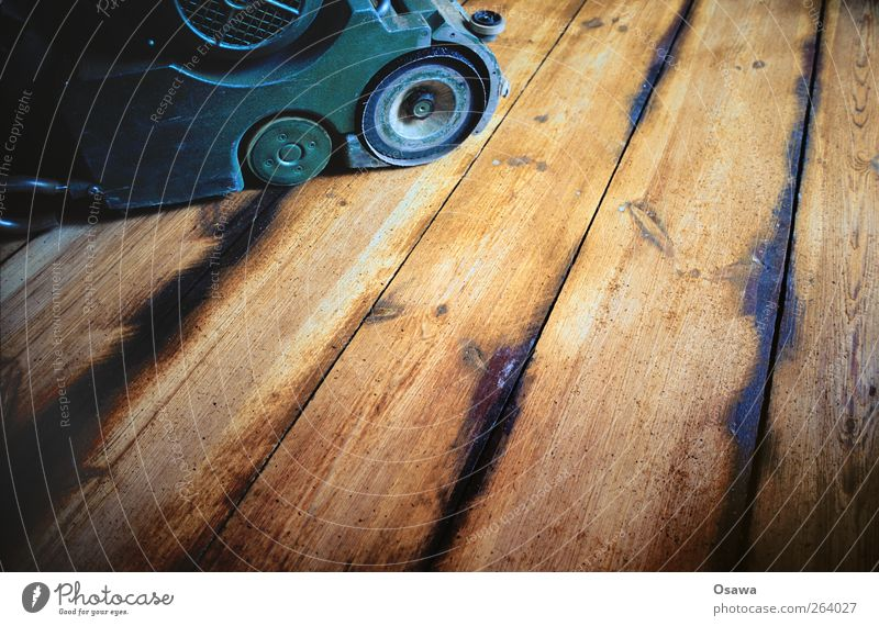 Dielen abschleifen Arbeit & Erwerbstätigkeit Bodenbelag Baustelle Handwerk Renovieren Holzfußboden Parkett Maserung Dielenboden Tischlerarbeit Schleifmaschine