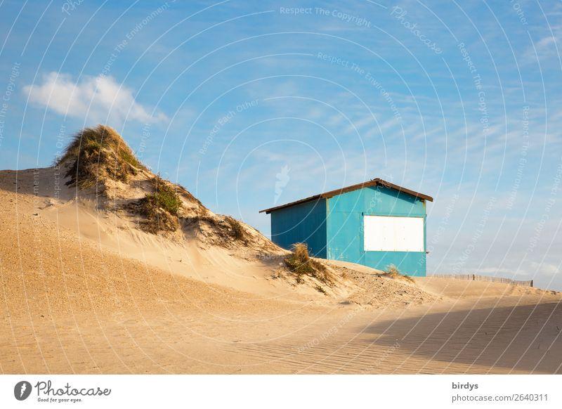 Die Hütte an der Düne Häusliches Leben Landschaft Himmel Wolken Schönes Wetter Dünengras Strand Stranddüne authentisch klein positiv blau gelb türkis Vorfreude