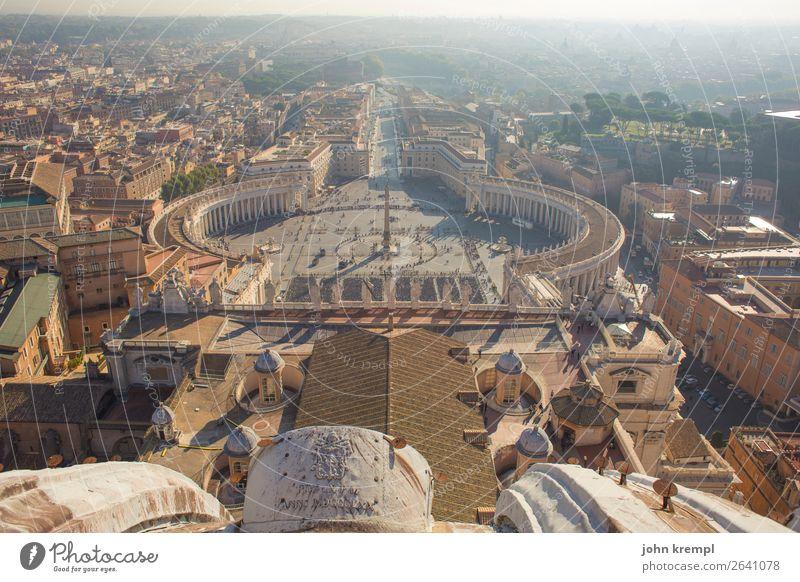 Rom XI - Sweet Home Alhambra Vatikan Italien Dom Platz Bauwerk Kuppeldach Dach Sehenswürdigkeit Petersdom Petersplatz Bekanntheit Freundlichkeit gigantisch groß