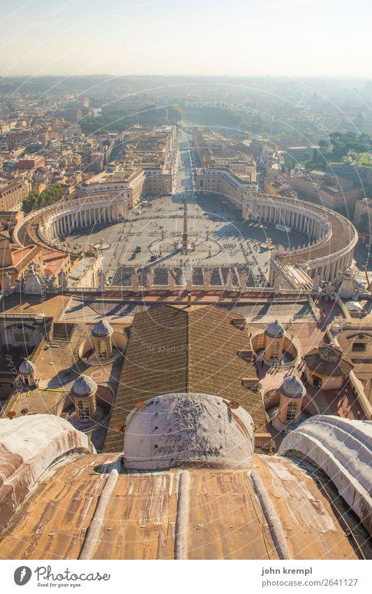 Rom III - Petrasplatz Architektur Wärme Religion & Glaube Tourismus Kultur Idylle Lebensfreude Vergänglichkeit Italien Wandel & Veränderung Sehenswürdigkeit