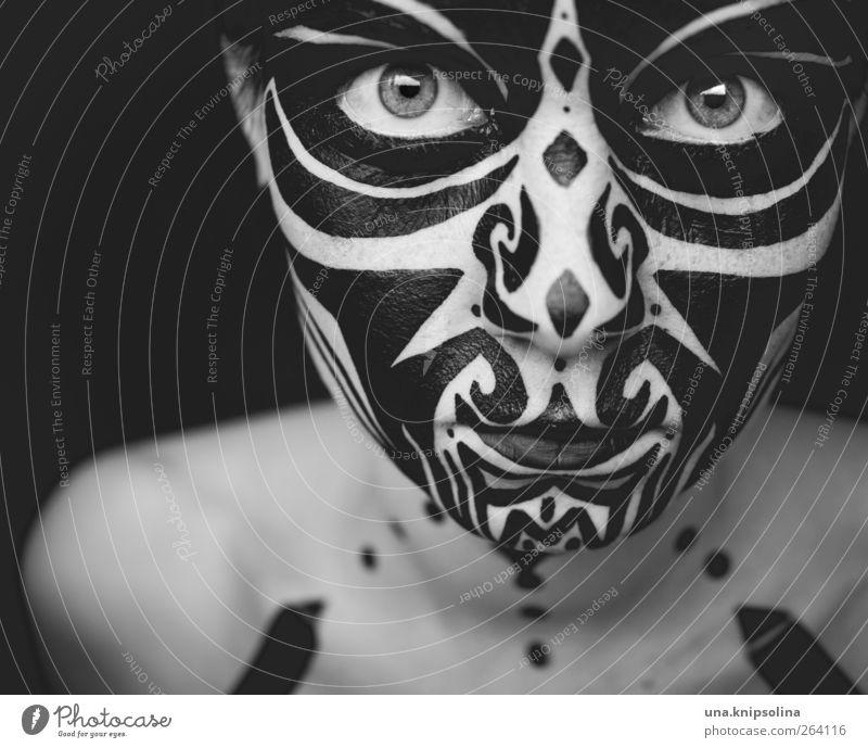 kia ora Gesicht Schminke Körpermalerei feminin androgyn 1 Mensch 18-30 Jahre Jugendliche Erwachsene Kunst Ornament bedrohlich dunkel gruselig einzigartig