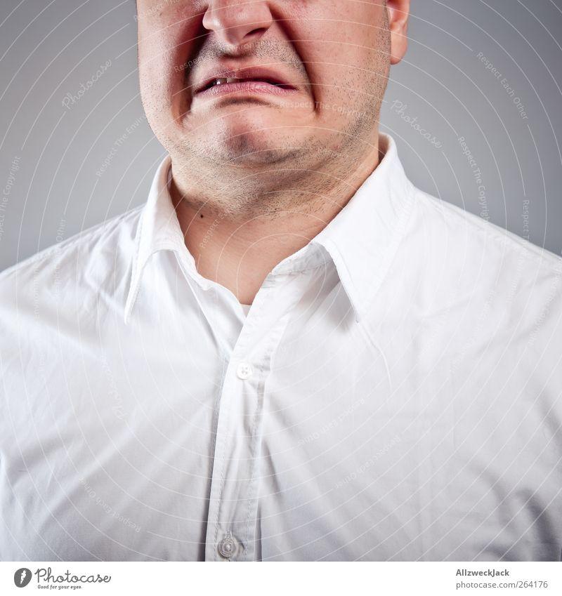 Disgusted maskulin Junger Mann Jugendliche Mund 1 Mensch 18-30 Jahre Erwachsene Hemd schwarzhaarig kurzhaarig Ekel weiß Enttäuschung Wut Frustration