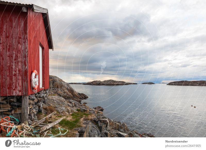 Fischerhütte in Nordeuropa Himmel Ferien & Urlaub & Reisen Natur Sommer Wasser Landschaft Meer Wolken Einsamkeit ruhig Ferne Herbst Frühling Küste Gebäude