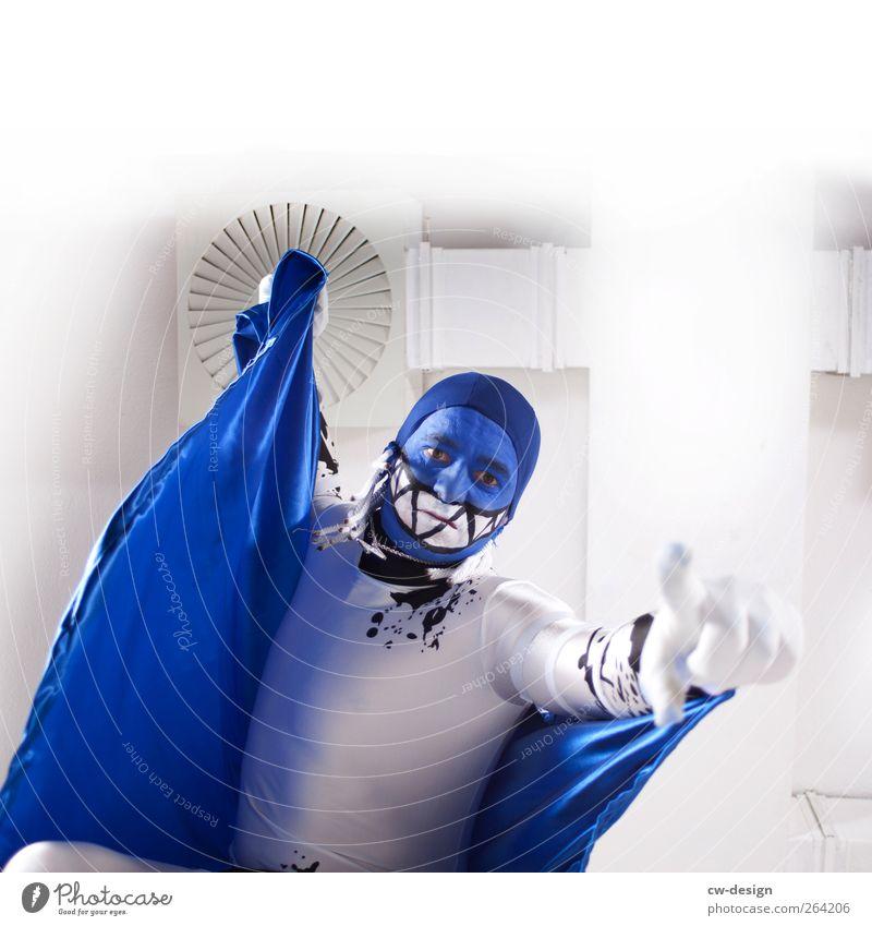 Die Zwangsjacken : Ouvertüre I Mensch Mann Jugendliche blau weiß schwarz Erwachsene maskulin 18-30 Jahre Junger Mann Theaterschauspiel Decke Karnevalskostüm