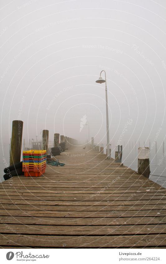 Hafen Lauterbach1 dunkel kalt Nebel Steg