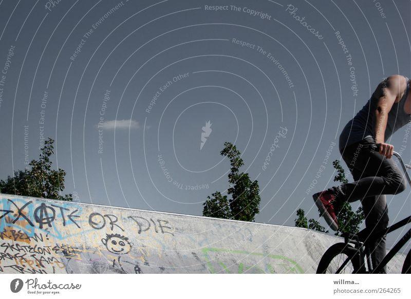 ...or die sportlich Freizeit & Hobby BMX Sport Fahrrad maskulin Junger Mann Jugendliche 1 Mensch Fahrradfahren Beton Graffiti springen muskulös Abenteuer