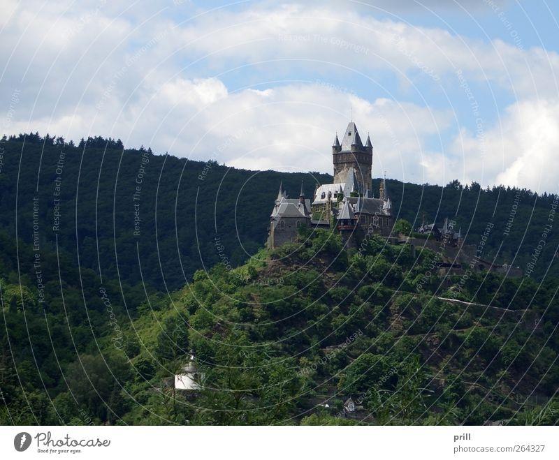Cochem castle on mountain top alt Sommer Landschaft Wand Architektur Mauer Gebäude hoch groß Tourismus Sicherheit Turm Idylle Hügel Schutz Bauwerk