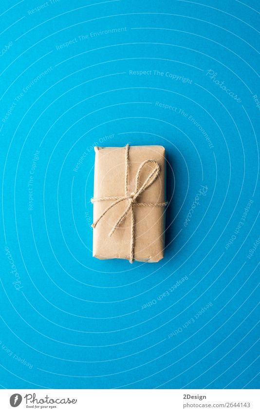 Geschenkverpackung in Kraftpapier verpackt, mit Band gebunden kaufen Design Winter Dekoration & Verzierung Feste & Feiern Weihnachten & Advent Handwerk