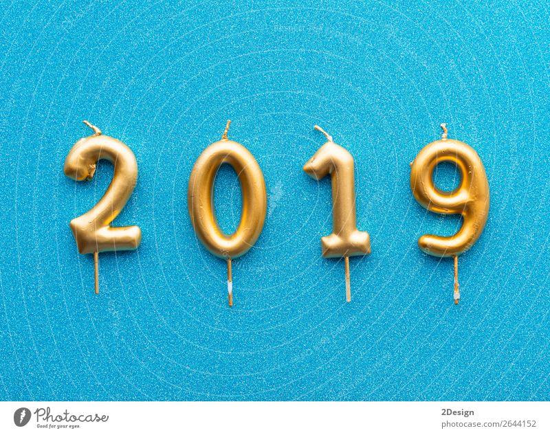 Frohes neues Jahr 2019. Gold glänzende Zahl Design Glück Winter Dekoration & Verzierung Feste & Feiern Weihnachten & Advent Fluggerät Kerze hell oben blau