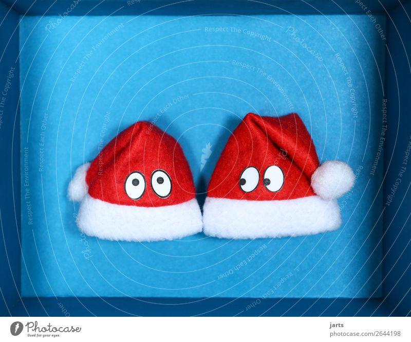 blaue kiste III Weihnachten & Advent Kasten Zusammensein lustig rot Blick Nikolausmütze Überraschung Augen Weihnachtsgeschenk Farbfoto Studioaufnahme