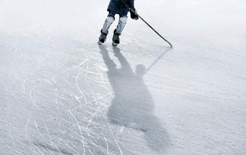 Ice Ice Baby Jugendliche weiß Winter schwarz kalt Sport Spielen Junge Eis Freizeit & Hobby 13-18 Jahre gefroren sportlich Sport-Training Sportler Wintersport