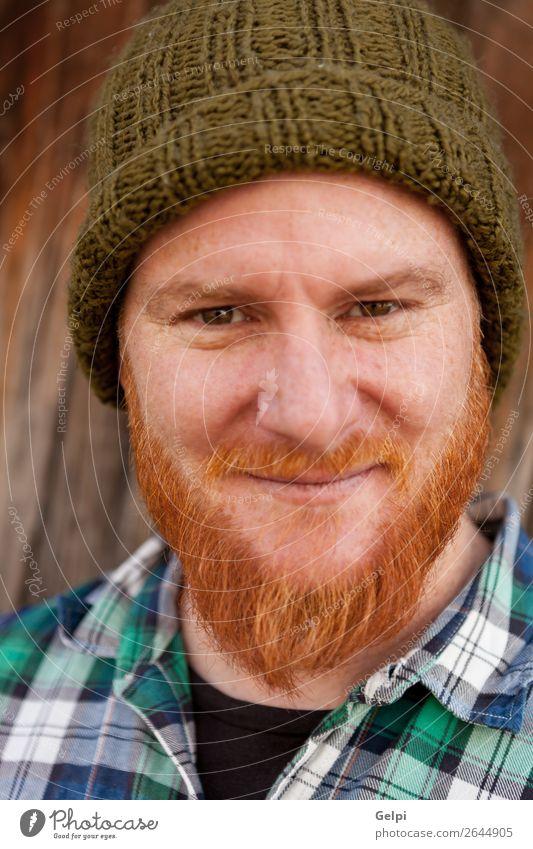 Porträt eines Hipster-Typs, der ein dummes Gesicht macht. Glück Haare & Frisuren Mensch Junge Mann Erwachsene rothaarig Vollbart Lächeln lachen außergewöhnlich
