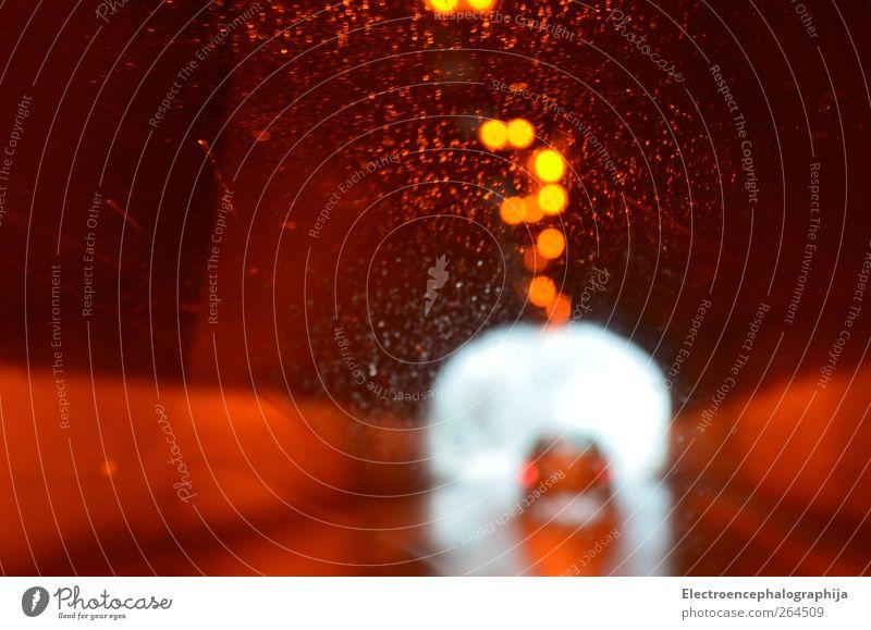 Licht im Dunkel Verkehrswege Autofahren Straße PKW braun rot schwarz weiß Farbfoto Tag Silhouette Reflexion & Spiegelung Gegenlicht Unschärfe Zentralperspektive