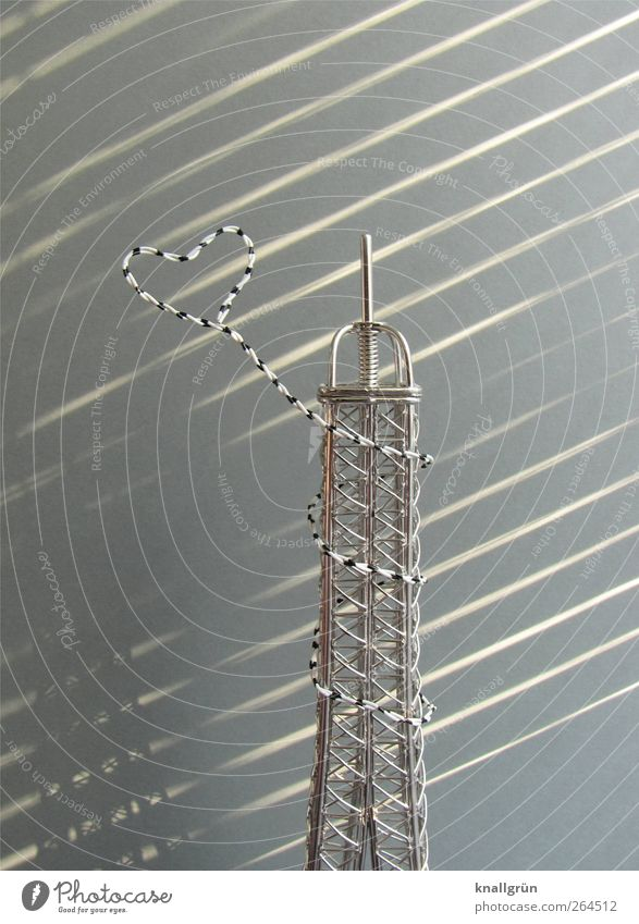 Je t'aime Bauwerk Sehenswürdigkeit Wahrzeichen Tour d'Eiffel Metall Herz Bekanntheit klein grau silber Gefühle Glück Lebensfreude Liebe Romantik Nachbildung