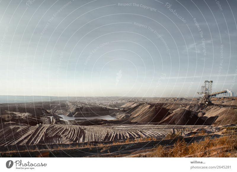 Braunkohletagebau mit Förderstrecke Braunkohlentagebau Arbeitsplatz Erneuerbare Energie Klimawandel Energiewirtschaft Energiekrise Technik & Technologie